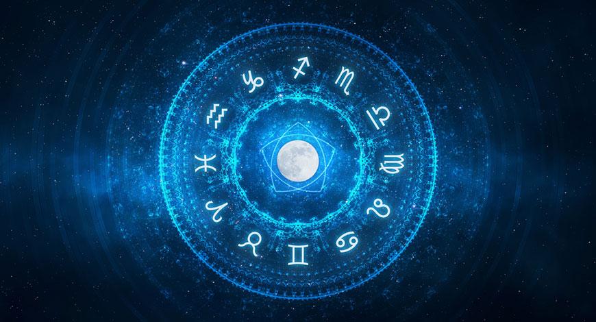 astrologer in delhi
